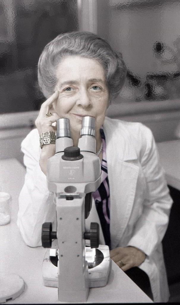 1986-Rita-Levi-Montalcini-premio-Nobel-per-la-medicina-color